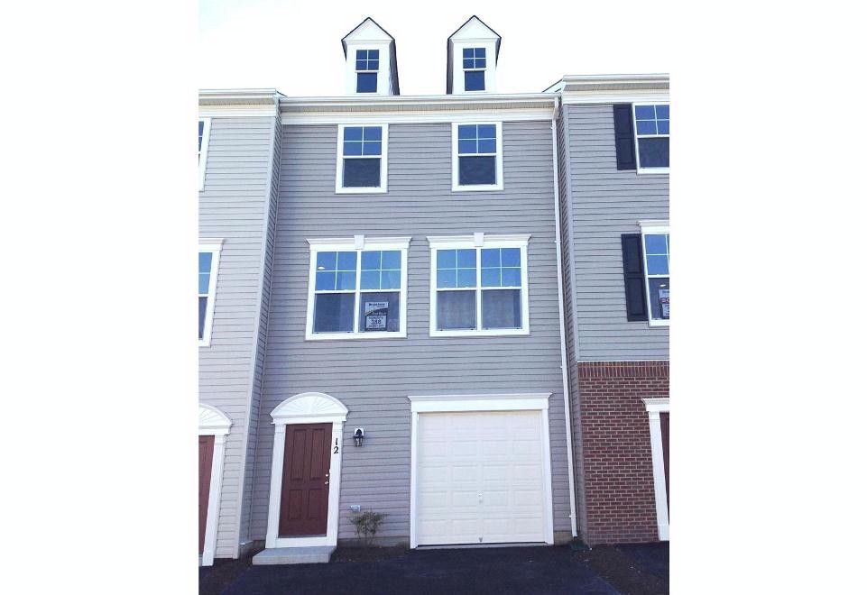 Additional photo for property listing at 1172324-Woodstream  Stafford, Virginia 22556 United States