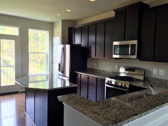 Additional photo for property listing at 1124306-Oakview Village  Glen Burnie, Maryland 21061 United States