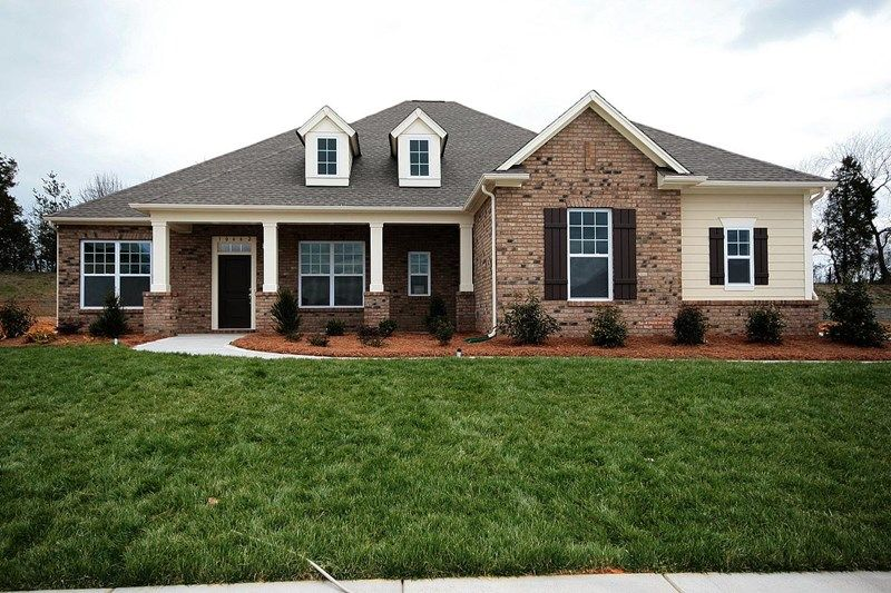 Carey - Hawthorne: Harrisburg, NC - David Weekley Homes