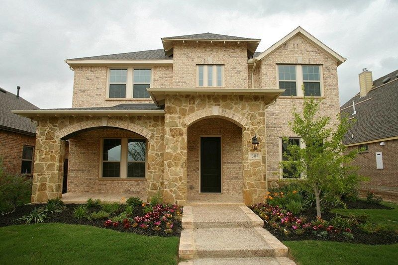 Simone - Viridian Executive: Arlington, TX - David Weekley Homes