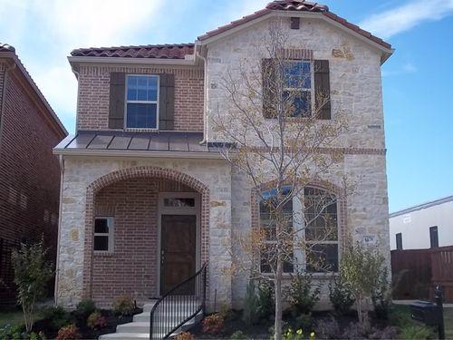 Villas of Escena by David Weekley Homes in Fort Worth Texas