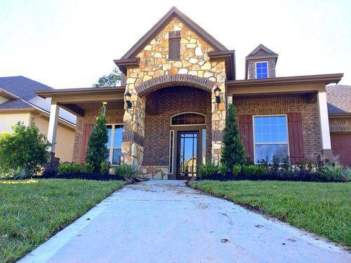 Fall Creek - Fairway Crossing by David Weekley Homes in Houston Texas
