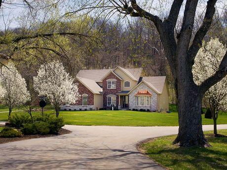 Estates at Deer Hollow by Fischer & Frichtel in