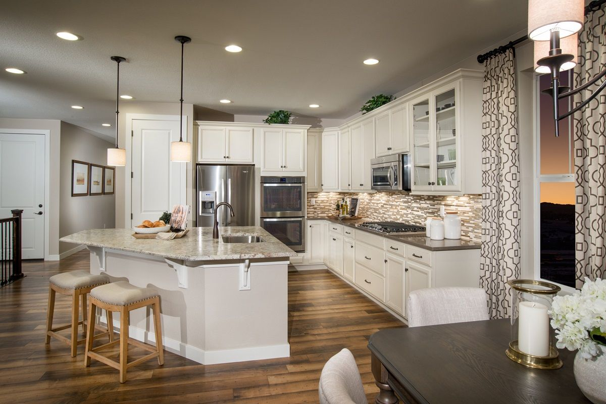Siena new homes in castle rock co by kb home for Castle rock builders