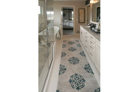 Muirfield Master Bath