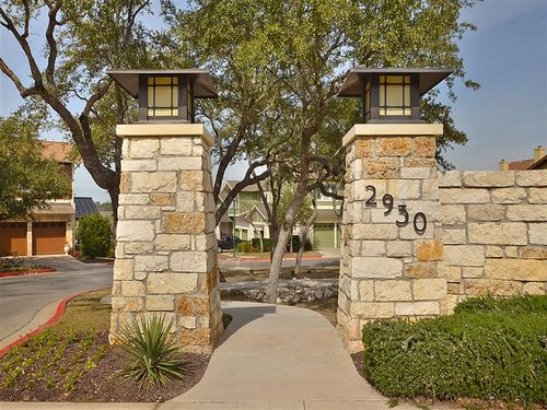 Sunset Ridge Condominiums at Twin Creeks by Ryland Homes in Austin Texas