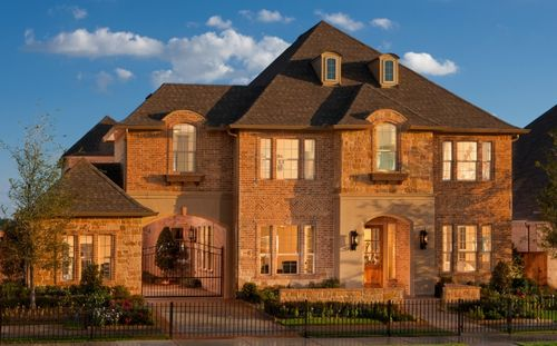 Riverton At Phillips Creek Ranch - 75' Homesites by Standard Pacific Homes in Fort Worth Texas