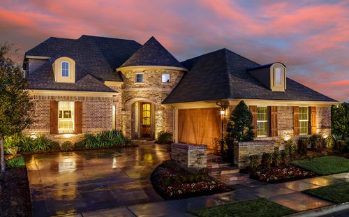 Sienna at Stone Hollow by Standard Pacific Homes in Dallas Texas