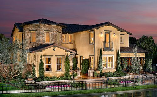 Avignon At Blackstone by Standard Pacific Homes in Orange County California