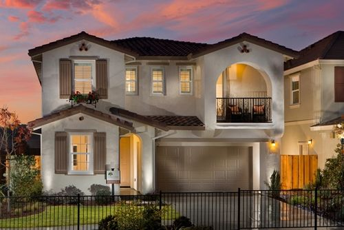 Oak Crest at Hidden Glen by William Lyon Homes in Oakland-Alameda California
